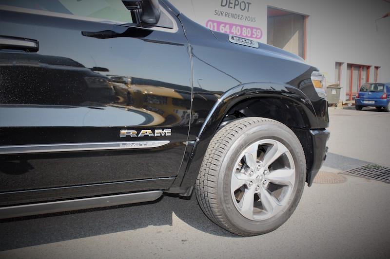 DODGE RAM 1500 crew cab limited 4x4 5.7l hemi