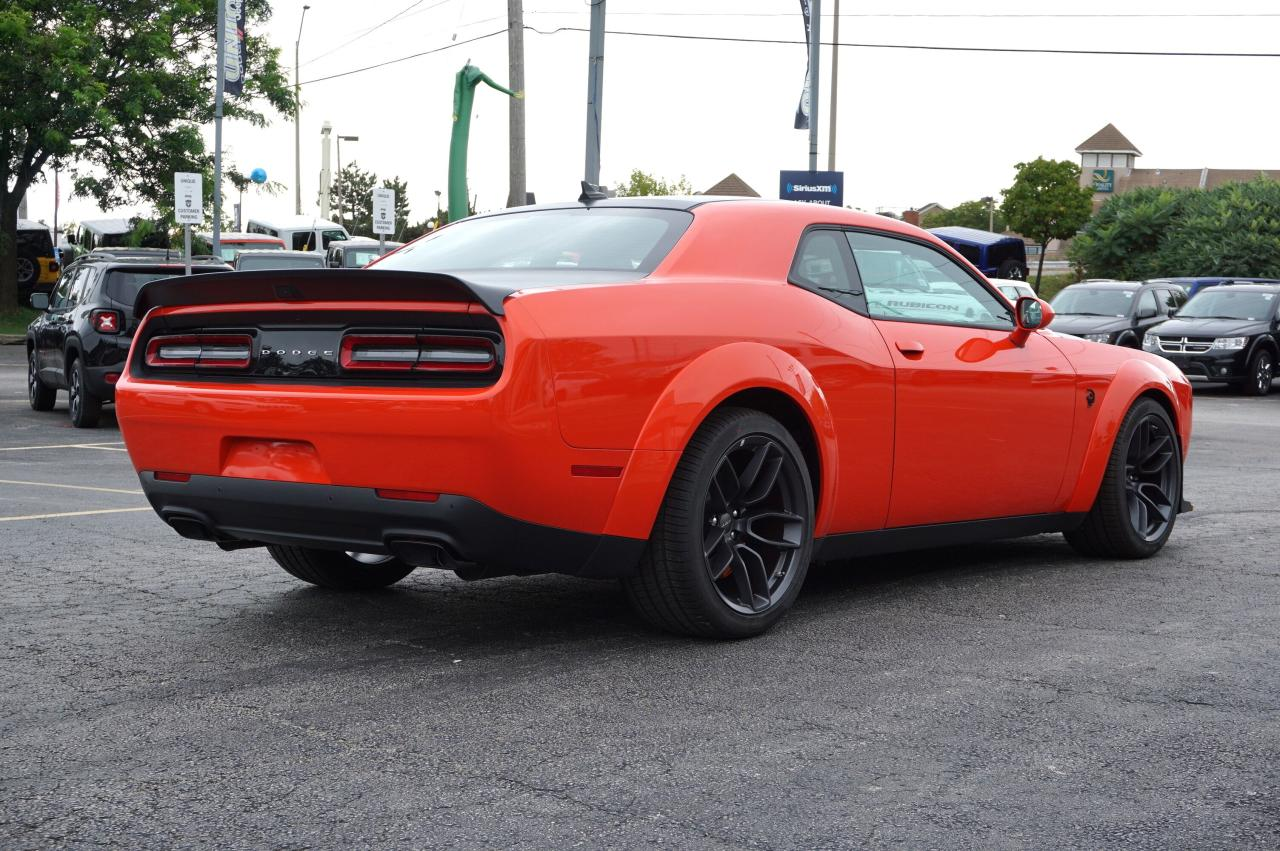 DODGE CHALLENGER Srt hellcat widebody v8 6.2l sc bva8 717hp