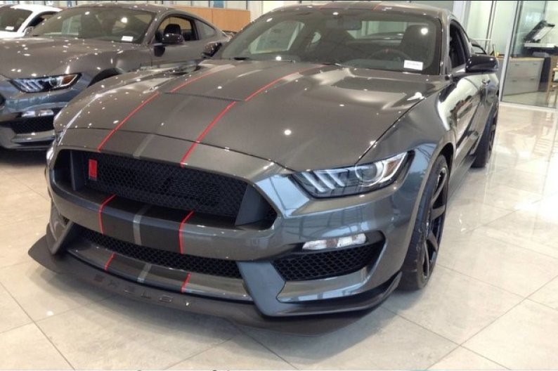 FORD MUSTANG Shelby gt350r 5.2l bvm6 526hp