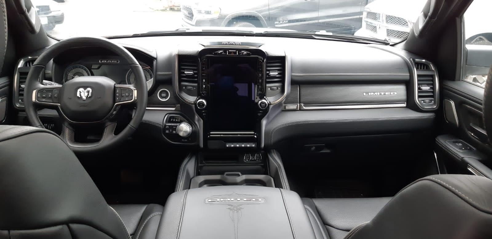 DODGE RAM 1500 limited 4x4 crew cab 5.7l hemi 395hp dualtailgate